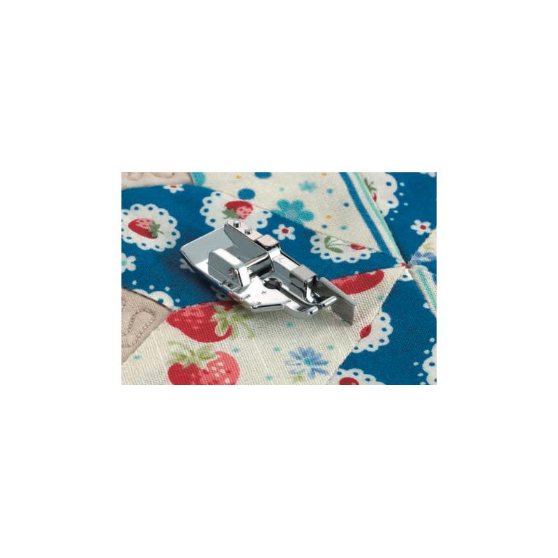 Pied d assemblage de 1 4 de pouce avec guide f057 for Machine a coudre xn1700
